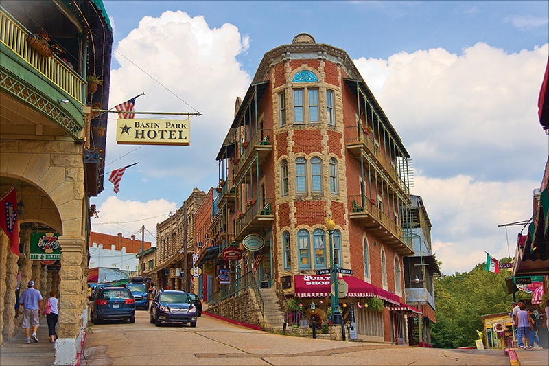 Eureka_Springs_downtown-a85cade3